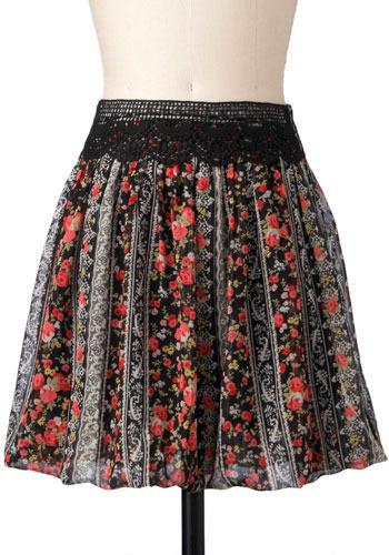 Rose Trellis Skirt - Short