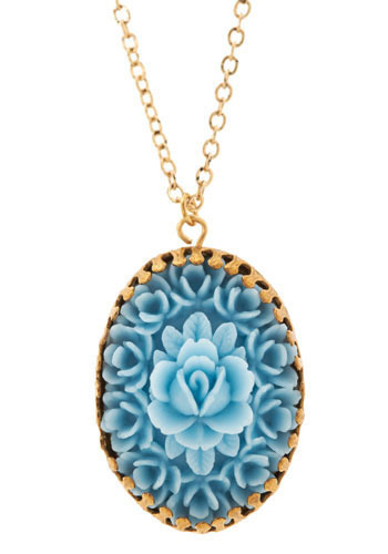 Centerpiece Necklace in Baby Blue
