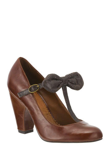 In the Bow Heel in Chestnut by Shellys of London