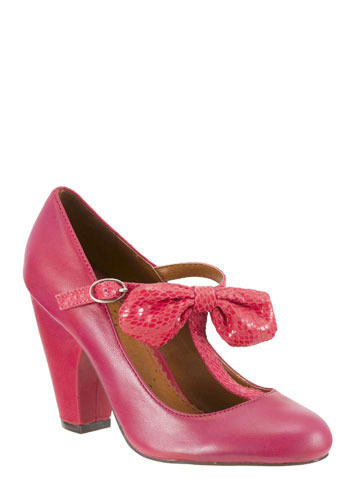 In the Bow Heel in Raspberry by Shellys of London