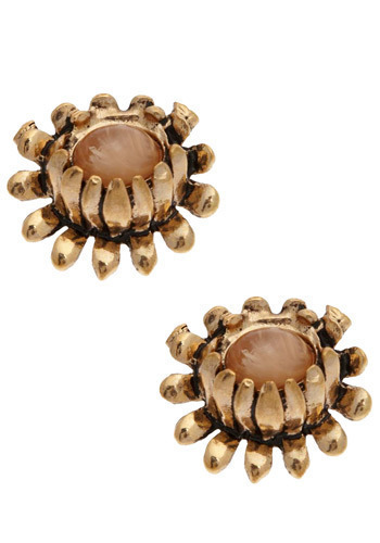 Marvelous Mum Earrings - Gold, Flower