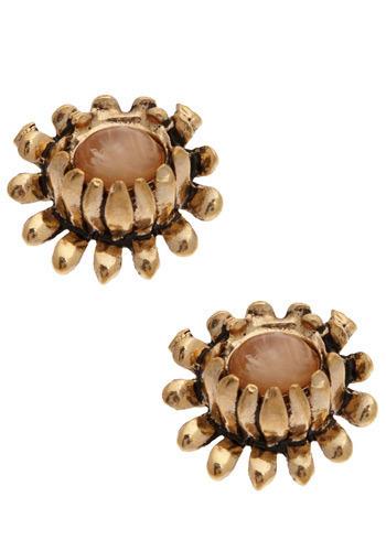 Marvelous Mum Earrings - Gold, Flower