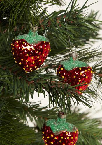 Vintage Very Berry Christmas Ornaments | Mod Retro Vintage Vintage ...