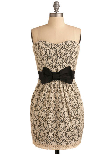 Thrill of the Lace Dress - Short