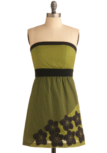 Retro Redecorating Dress | Mod Retro Vintage Printed Dresses | ModCloth.com :  flowers padded retro avocado