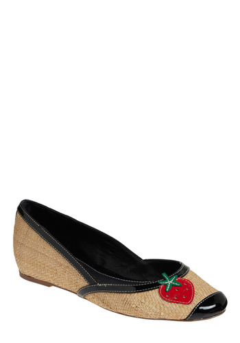 Berry Basket Flat | Mod Retro Vintage Flats | ModCloth.com :  cheery natural flats black accents