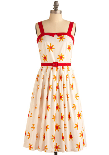 Sunny Side Smile Dress | Mod Retro Vintage Printed Dresses | ModCloth.com :  belt summery darts daisy