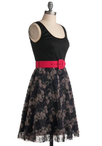 Rosette-a Stone Dress | Mod Retro Vintage Printed Dresses | ModCloth.com