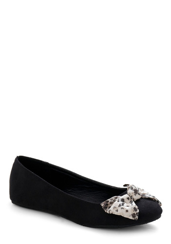 Taming the Concrete Jungle Flat - Black, White, Solid, Bows, Casual, Fall, Winter