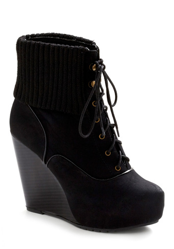 On Willoughby Street Bootie - Black, Solid, Casual, Fall, Winter