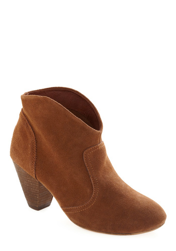 Rodeo So Refined Bootie in Brown - Brown, Solid