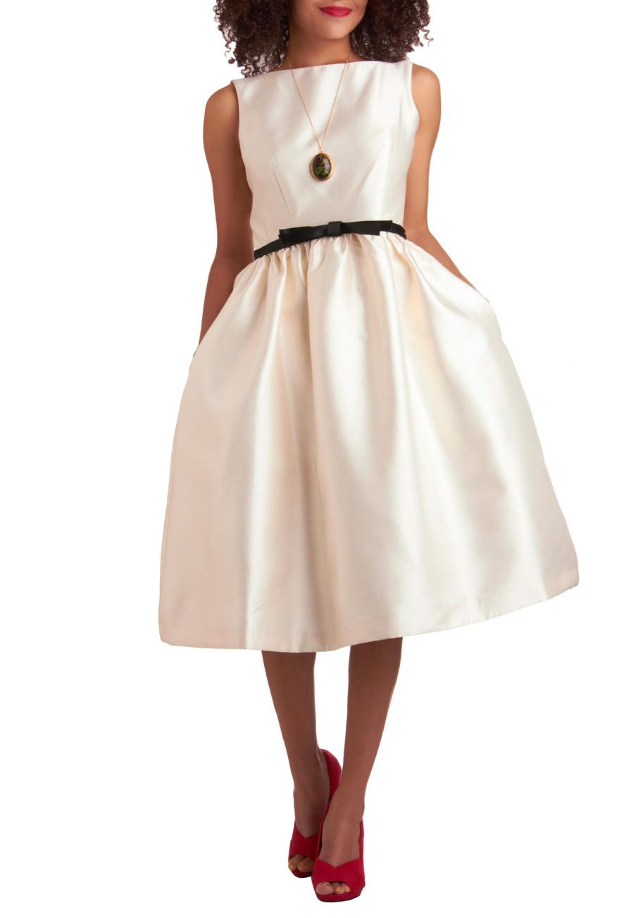 Winter Waltz Dress in Ivory