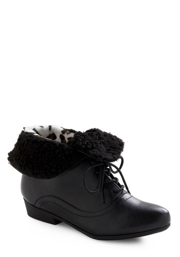 Nice and Cozy Bootie - Black, Solid