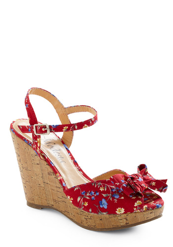 Flower of Love Wedge - Red, Brown, White, Floral, Bows, Party, Vintage Inspired, Summer, Rockabilly, Wedge