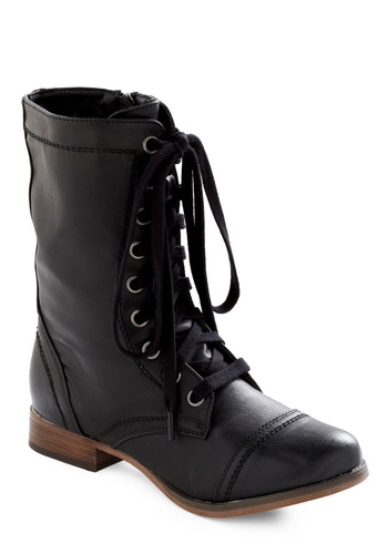 Monday's Motivator Boot - Black, Solid, Casual, 90s