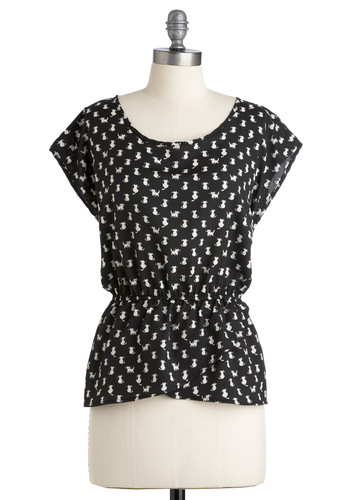 Leisure Tom-cat Top - Mid-length, Black, White, Print with Animals, Cap Sleeves