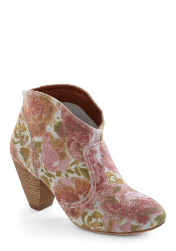 Rodeo So Refined Boot in Roses - Boho, Green, Pink, Tan / Cream, Floral, Pink, 90s