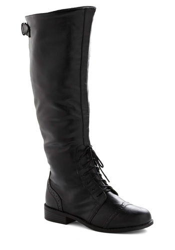 Chocolate Run Boot in Black - Casual, Black, Solid