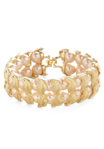 Pearl of My Dreams Bracelet - Vintage Inspired, White, Gold, Pearls, Special Occasion, Wedding