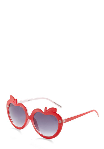 Holding Court-land Sunglasses - Red, Solid, Fruits, Beach/Resort