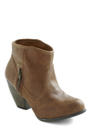 I Know Wyoming Bootie - Brown, Solid, Exposed zipper, Casual, Faux Leather, Mid