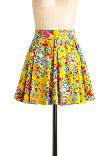 Chicka Bloom Skirt by Motel - Short, Multi, Red, Yellow, Green, Floral, Exposed zipper, Pleats, A-line, Party, Summer