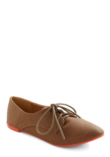 Walkabout Town Flat in Camel - Tan, Red, Solid, Menswear Inspired, Flat, Lace Up, Casual, Fall