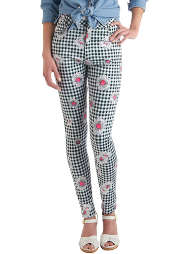 You've Got it Down Pattern Pants in Daisies by Motel - Pink, White, Checkered / Gingham, Floral, Pockets, Skinny, Casual, Black, Spring, Long