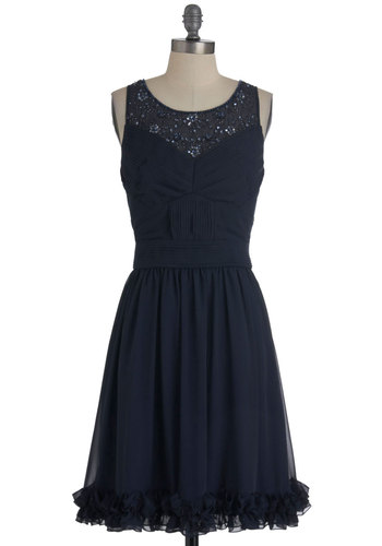 Petite Pear 5 Great Dresses For Pear Shaped Women Including Festive Holiday Dresses