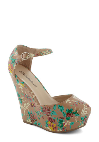 Luncheon My Way Wedge - Wedge, Floral, Multi, Red, Green, Tan / Cream, Party