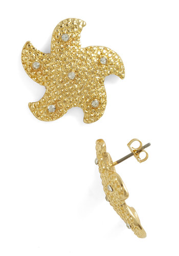 Aim for the Sea Stars Earrings - Gold, Solid, Rhinestones, Nautical, Summer, Casual, Beach/Resort
