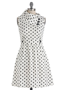 Coach Tour Dress in Dots