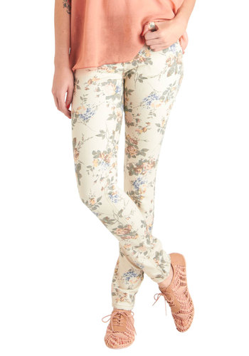 Linear Monologue Jeans in Floral - Cream, Floral, Pockets, Casual, Skinny, Green, Blue, Pink, Multi, Denim