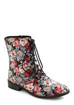 Garden Gait Boot
