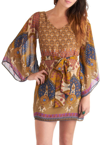 A Different Beatnik Dress in Neutral Paisley - Yellow, Multi, Print, Casual, Sheath / Shift, Long Sleeve, Belted, Mid-length, Boho, 70s, Folk Art, Sheer, V Neck