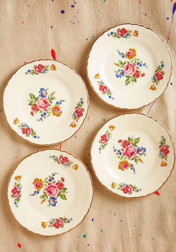 Vintage Slice of Life-like Plate Set