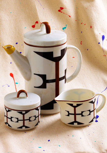 Vintage Abstract Clinking Tea Set