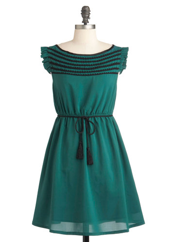 Read the Pine Print Dress by Tulle Clothing - Short, Green, Solid, Trim, Casual, Vintage Inspired, Empire, Belted, Sleeveless