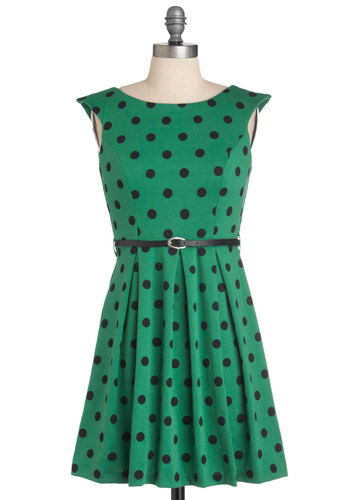 A Grand Weekday Out Dress in Dots - Green, Black, Polka Dots, Pleats, A-line, Sleeveless, Belted, Vintage Inspired, Boat, Variation, Casual, Short