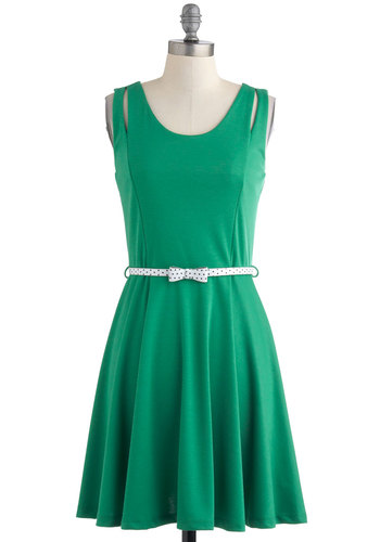Putting Green Queen Dress - Green, Solid, Casual, A-line, Sleeveless, Belted, Mid-length, Bows, Cutout, Summer, Fit & Flare, Tis the Season Sale, Scoop
