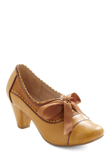 Notch Your Step Heel in Caramel by Chelsea Crew - Yellow, Brown, Scallops, Mid, Lace Up, Work, Vintage Inspired, Scholastic/Collegiate, Leather, Variation, 60s, Top Rated