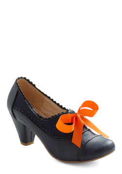 Notch Your Step Heel in Navy