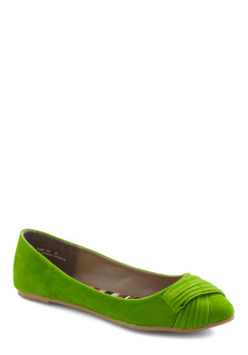 Juice the Two of Us Flat in Green - Green, Solid, Pleats, Flat, Casual, Faux Leather