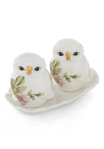 Hooting the Breeze Shaker Set - White, Vintage Inspired, Green, Pink, Floral