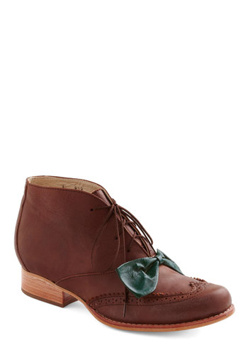 Brooklyn Brunch Bootie - Brown, Bows, Casual, Menswear Inspired, Vintage Inspired, Fall, Scholastic/Collegiate, Leather, Lace Up, Low
