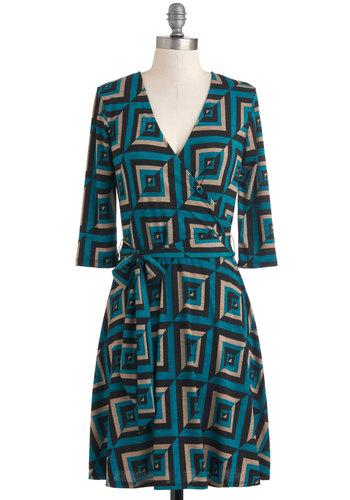 Savoir-Faire and Square Dress