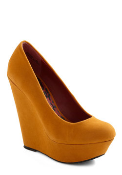 Walk and Roll Wedge in Mustard