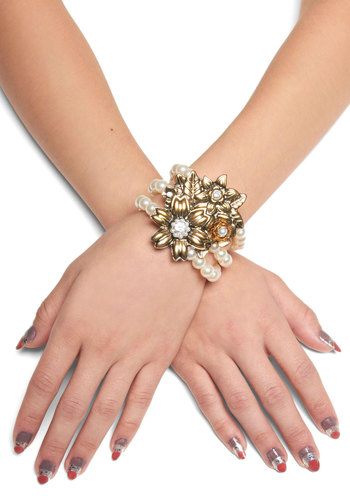 Actor's Gild Bracelet - White, Gold, Flower, Vintage Inspired, Pearls, Party, Luxe, Holiday Party, 20s, Daytime Party