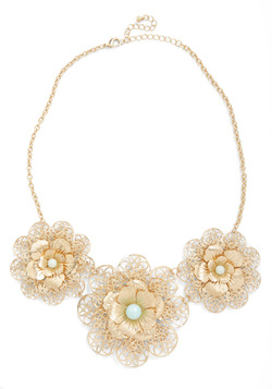 In Pearl Bloom Necklace