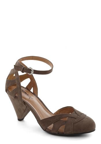 Cinnamon Scones Heel in Stone Platter